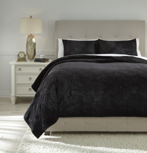 Picture of Linette Black Queen Quilt Set