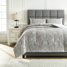 Picture of Noel King Comforter Set