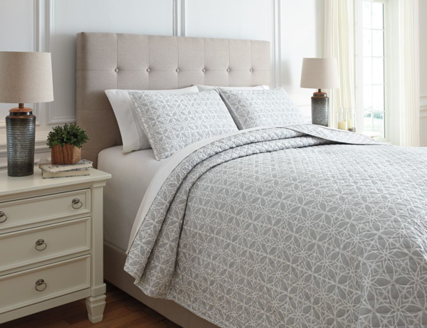 Picture of Mayda Queen Quilt Set