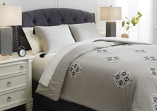 Picture of Jawanza Queen Comforter Set
