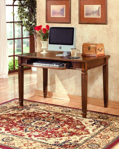Picture of Hamlyn Small Leg Desk
