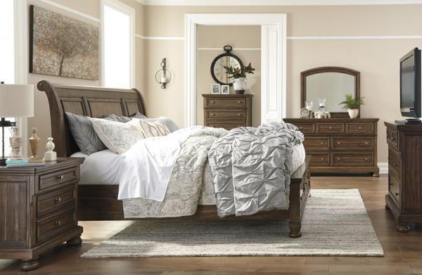 Picture of Flynnter 6-Piece Sleigh Bedroom Set