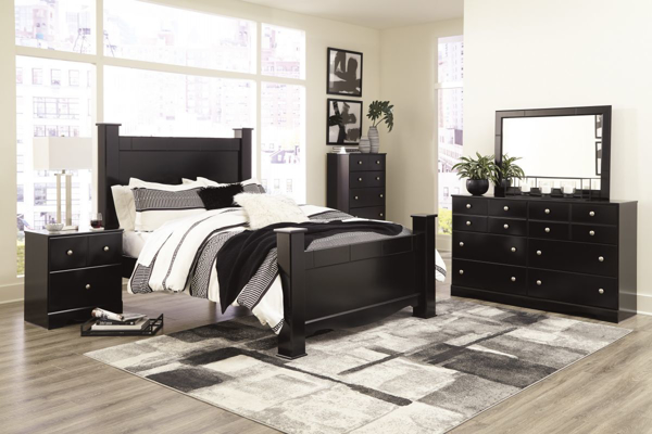 Picture of Mirlotown 6-Piece Poster Bedroom Set